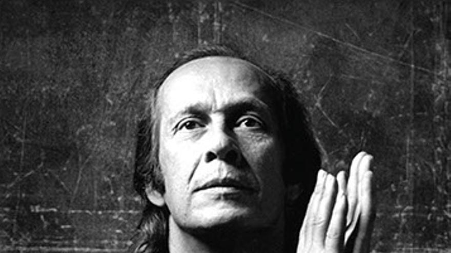 El escritor Juan José Téllez cierra con su nuevo libro el mito de Paco de Lucía