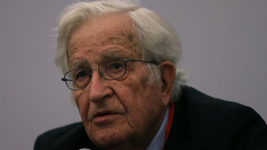 Noam Chomsky, Premio BBVA de Humanidades por sus contribuciones al lenguaje
