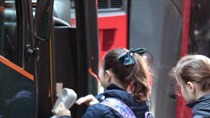 Denunciados la mitad de transportes escolares controlados en la campaña de DGT