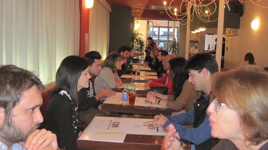 Speed Dating -citas rápidas- entre ciudadanos e investigadores de la Universidad de Córdoba.