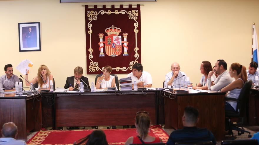 Pleno del Ayuntamiento de Mogán (archivo).