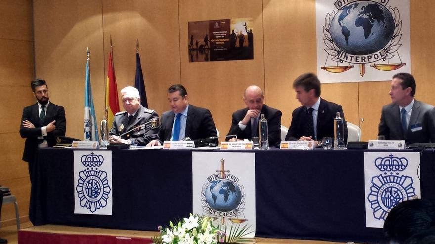 Fernández Díaz abre la puerta a nuevas reformas legales para luchar contra el yihadismo