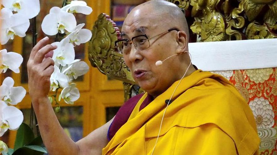 El dalái lama pide diálogo para acabar con la crisis norcoreana