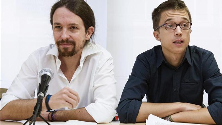 El secretario general de Podemos, Pablo Iglesias, y el secretario de Política, Íñigo Errejón