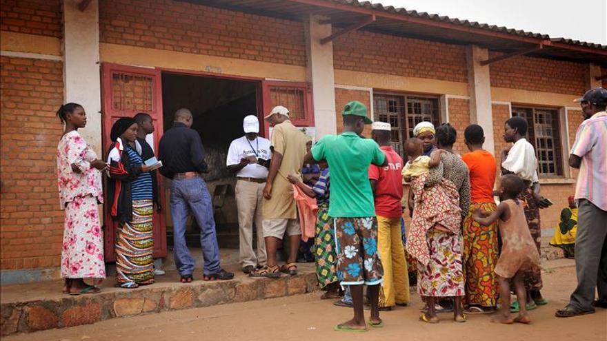 Líderes de África Occidental rechazan limitar los mandatos presidenciales
