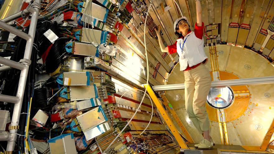 Fabiola Gianotti en uno de los medidores del CERN / S.A.F.