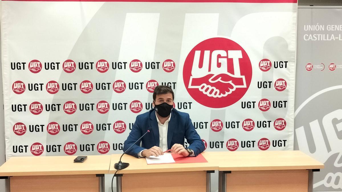 Javier Flores, secretario de Salud Laboral, Juventud y Agenda 2030 de UGT Castilla-La Mancha