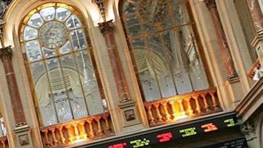 El Ibex suma su segunda semana en 'números rojos' con un retroceso del 2,7%