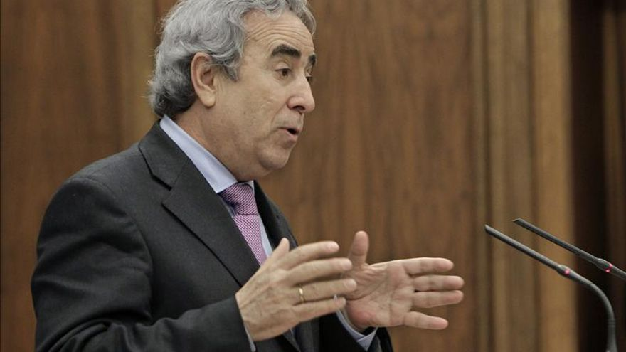 Los senadores del PSOE por Madrid descartan renunciar como Tomás Gómez