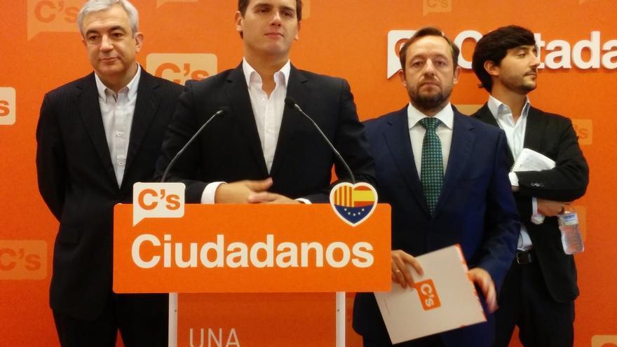 Ciudadanos acusa a PP y Podemos de copiarle algunas de sus propuestas después de haberlas criticado