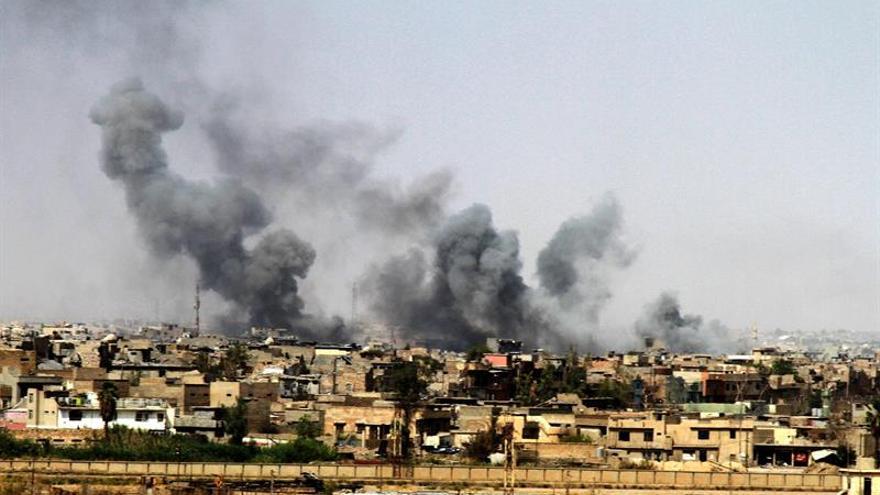 """Miles de civiles atrapados en Mosul, que ha sufrido una """"destrucción masiva"""""""