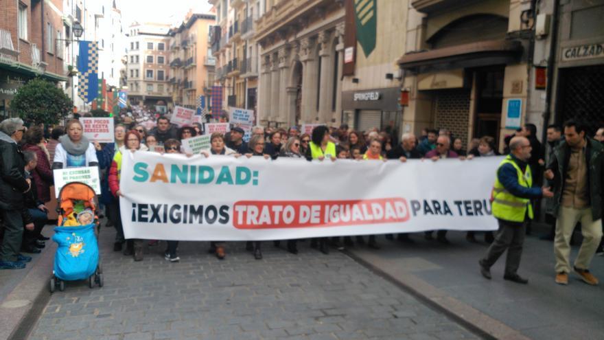 Unas 10.000 personas salieron a la calle en Teruel para reclamar mejoras en los servicios sanitarios