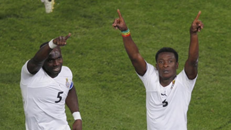 Ghana vence a Serbia de penalti