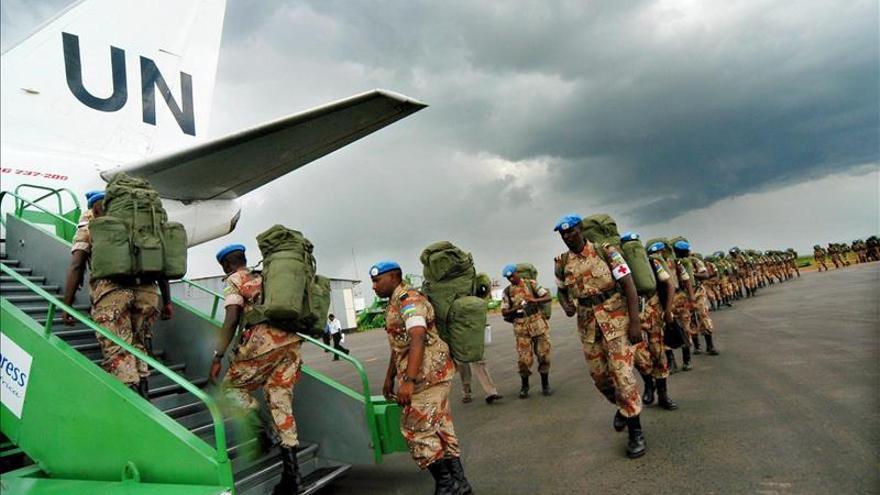 Un casco azul mata a cuatro compañeros y se suicida en Bangui