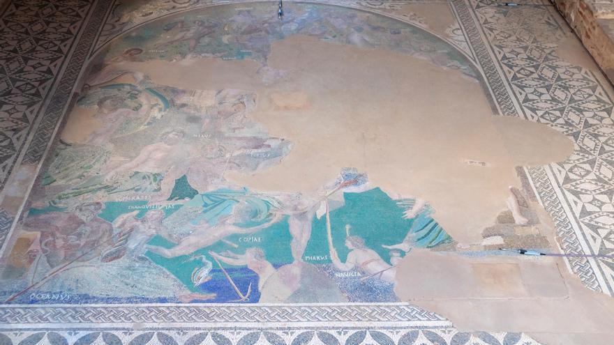 Mérida vuelve a enterrar sus mosaicos romanos