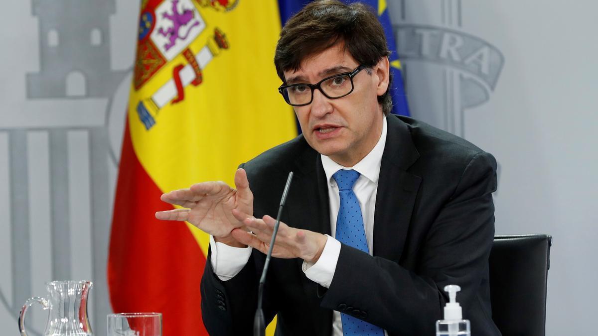 El ministro de Sanidad, Salvador Illa, durante la rueda de prensa. EFE/J.J. Guillén