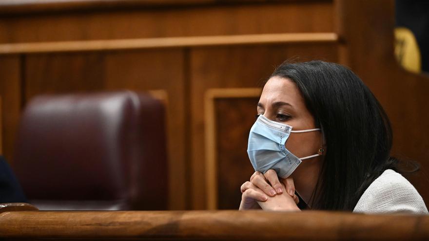 Arrimadas pide a los políticos que dejen trabajar al juez del caso Dina