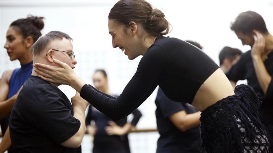 Una coreografía para ofrecer (y arrebatar) el corazón del público