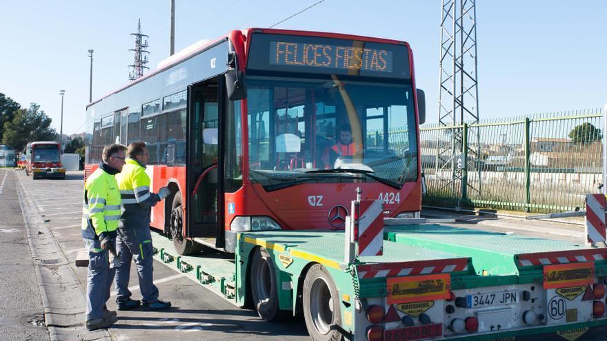 Son buses que han superado ya el límite de años de servicio en Zaragoza, pero cuya vida útil puede prolongarse sin problemas