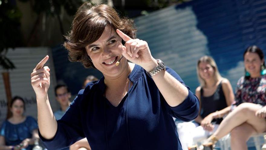 Sáenz de Santamaría: TVE no tiene que ser el pago de Sánchez a unos favores