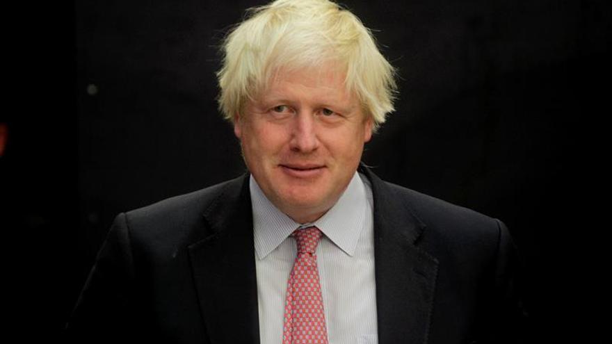 """Johnson repite una controvertida cifra sobre el ahorro tras el """"brexit"""""""