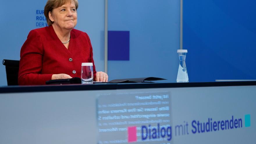 """Merkel pide una Europa con más capacidad para actuar """"por si misma"""""""