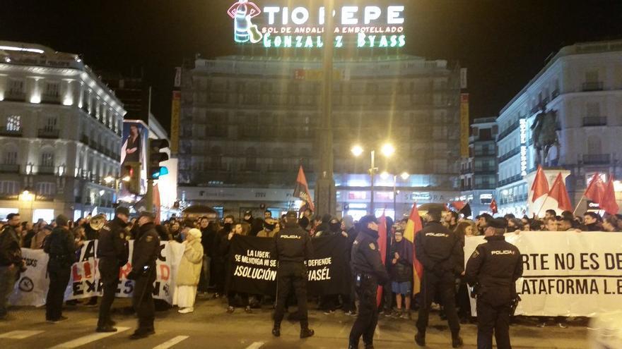 Concentración pidiendo la libertad de Valtonyc en la Plaza del Sol. Imagen de No Somos Delito