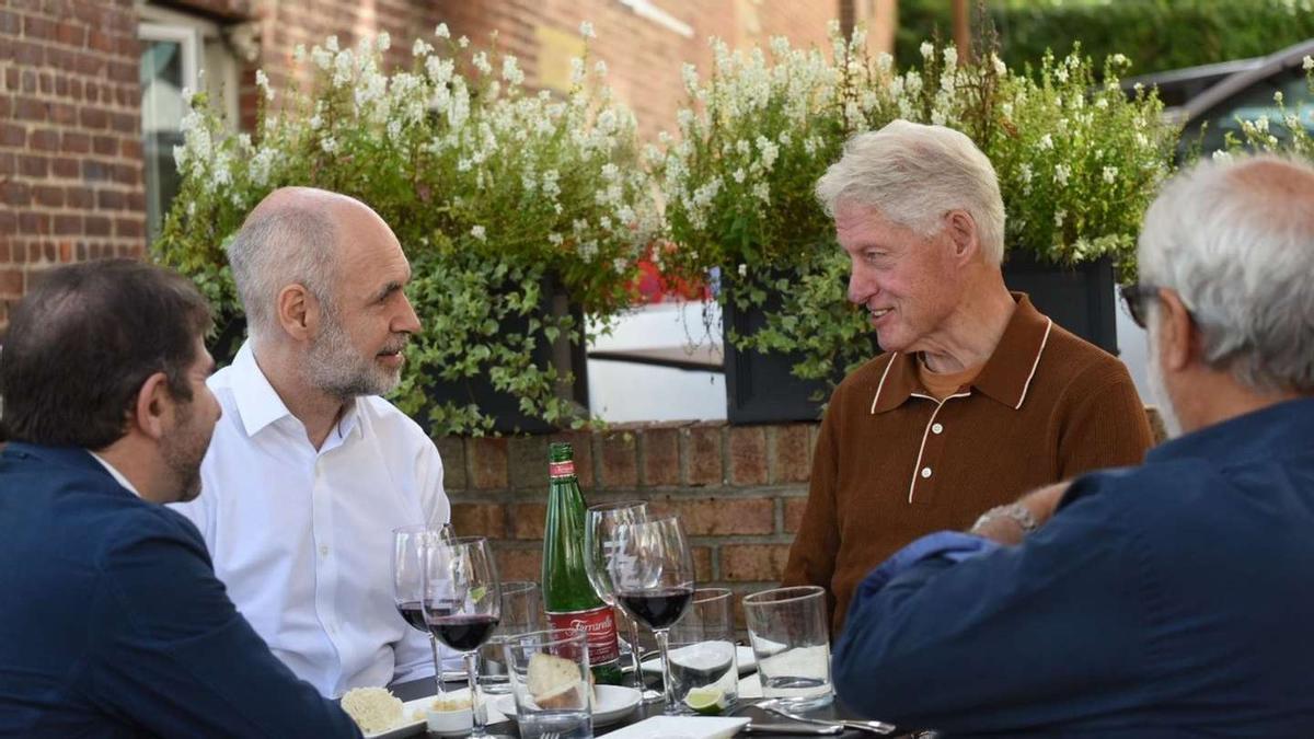 Larreta se reunió con el expresidente de EEUU Clinton