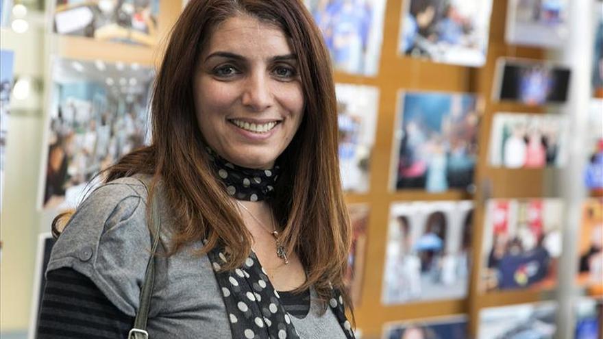 La periodista siria Lina Chawaf cree que los bombardeos no son la solución