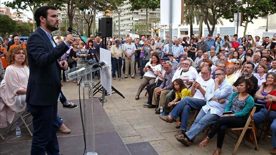 Garzón asegura que el mejor reflejo del miedo del PP es su llamada a Aznar