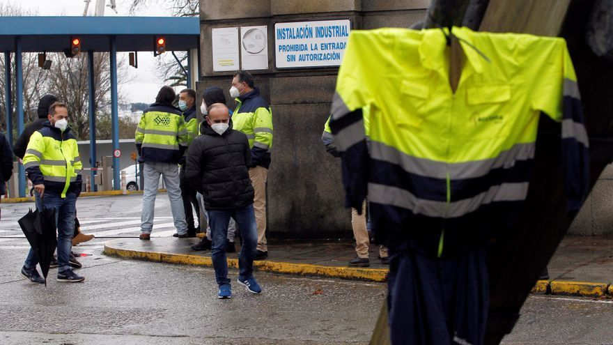 Un bloqueo del acceso a Navantia causa atascos en Ferrol