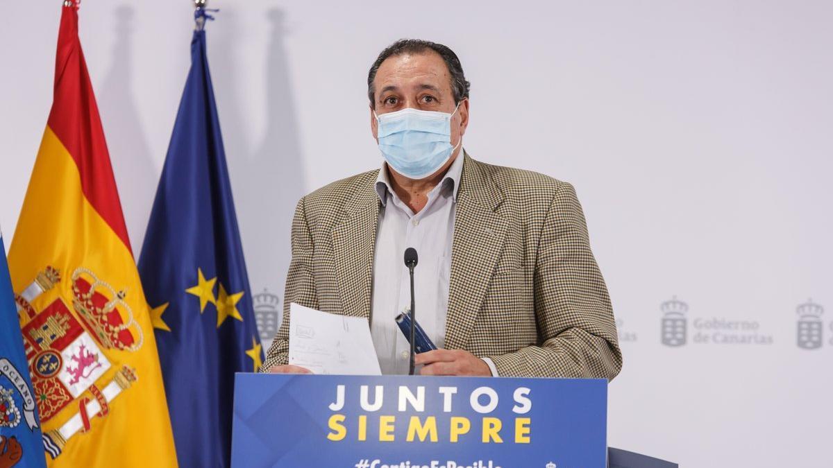 El consejero de Sanidad, Blas Trujillo