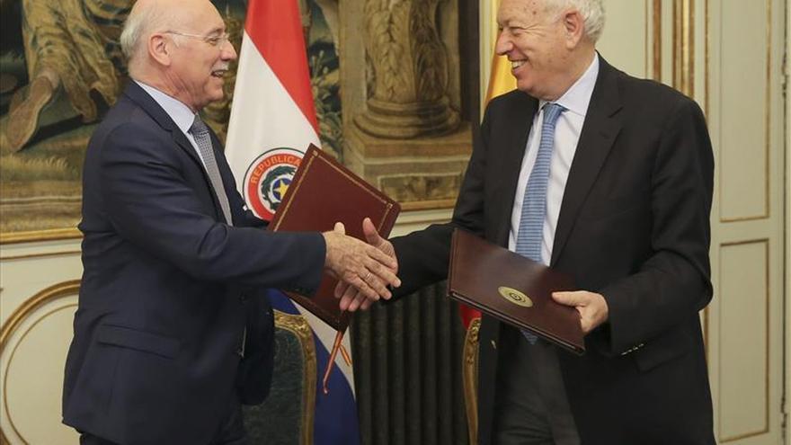 Margallo se reúne con su homólogo paraguayo para regular el diálogo bilateral