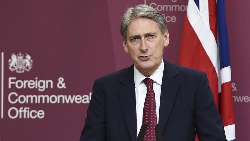 Londres dice que el recorte de subsidios a extranjeros no es discriminatorio