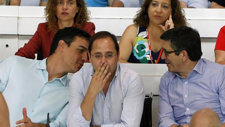 Sánchez dice que el PSOE liderará la oposición pero insiste en el no a Rajoy