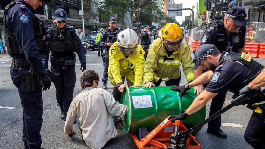 Cien detenidos en Australia por protestar por inacción ante crisis climática