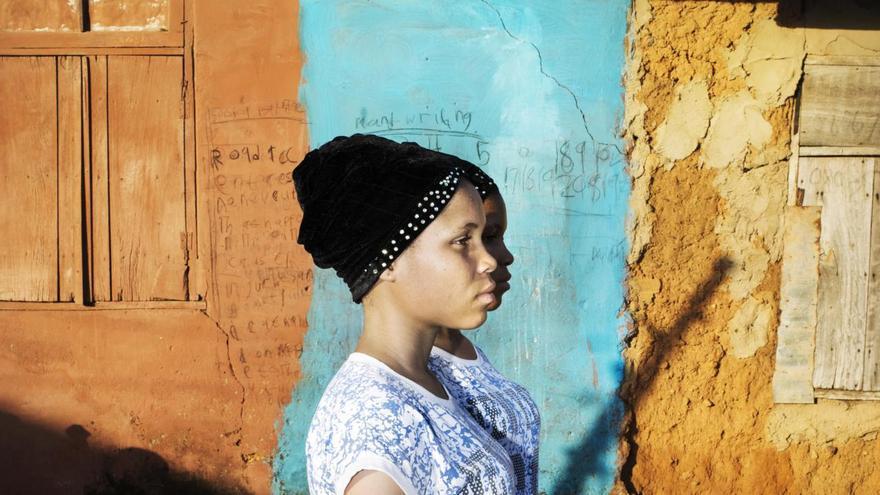 © Bénédicte Kurzen, Noor and Sanne de Wilde, Noor. 'Land of Ibeji', serie ganadora del primer premio en la categoría 'Retratos'. Nigeria tiene una de las más altas tasas de gemelos en el mundo, particularmente entre el grupo de los Yoruba, en el suroeste del país.