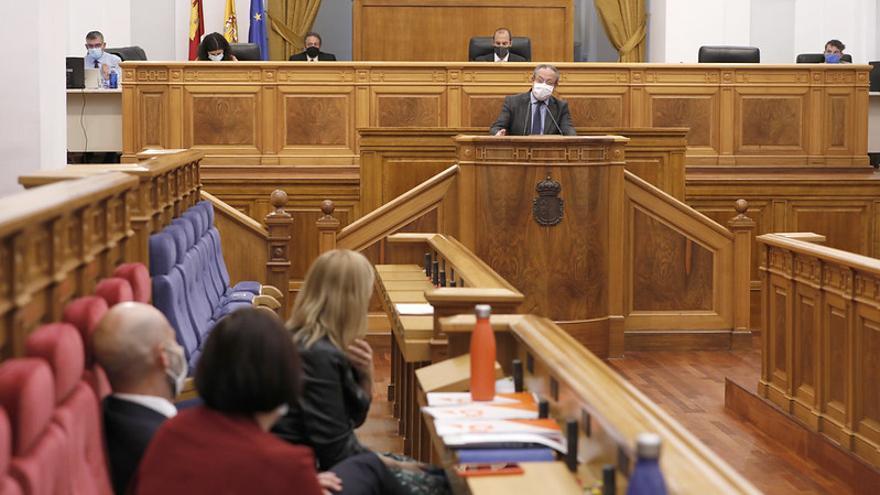 El PSOE aprueba en solitario la ley que permitirá a Castilla-La Mancha agilizar la gestión de los fondos europeos de recuperación