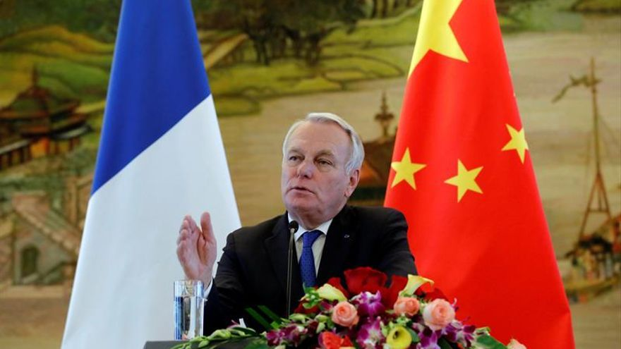 """Ayrault apoyará a Macron para evitar """"catástrofe"""" de un gobierno de Le Pen"""