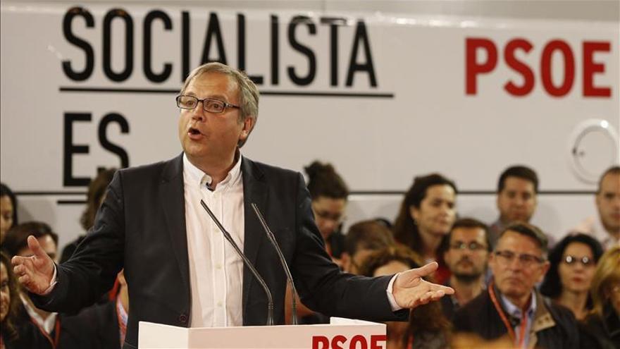"""Carmona dice que debatirá donde digan los medios y no """"donde diga Aguirre"""""""