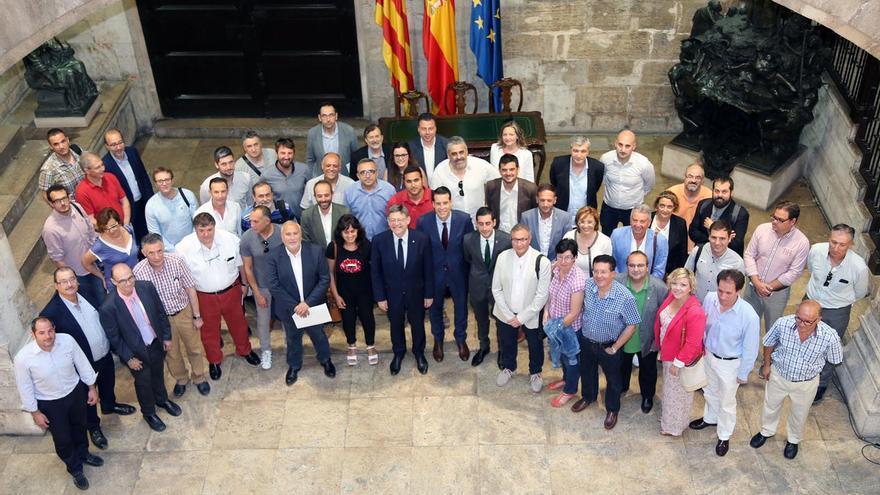 El presidente de la Generalitat, Ximo Puig, en el Palau con los presidentes de las mancomunidades.