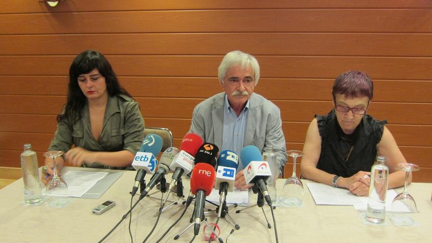 Irantzu Varela,Ramón Zallo y Begoña Zabala, durante la rueda de prensa
