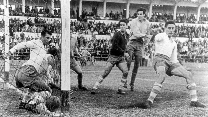 El clásico canario de fútbol tiene tantos años como la UD Las Palmas, 70.