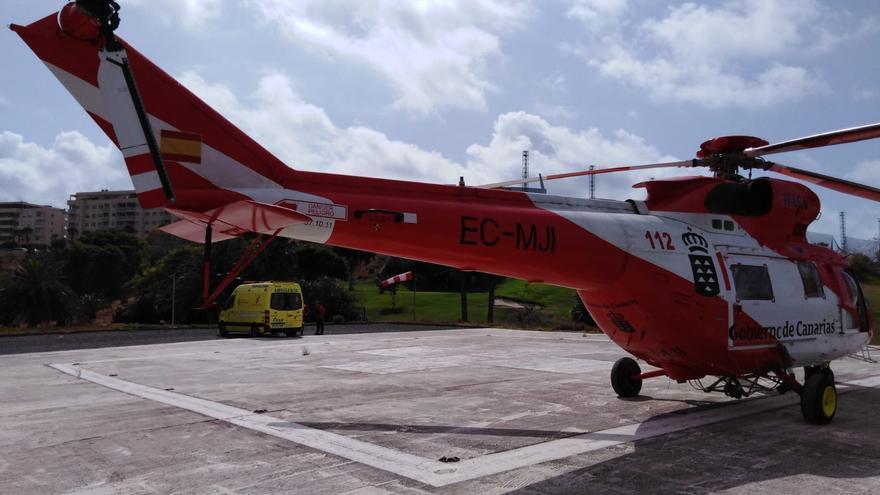 La mujer tuvo que ser trasladada en helicóptero hasta el Hospital Doctor Negrín