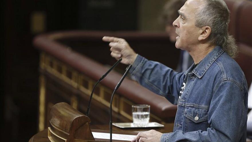 """Amaiur dice que el Gobierno """"defiende a los suyos"""" cuando deniega la extradición"""