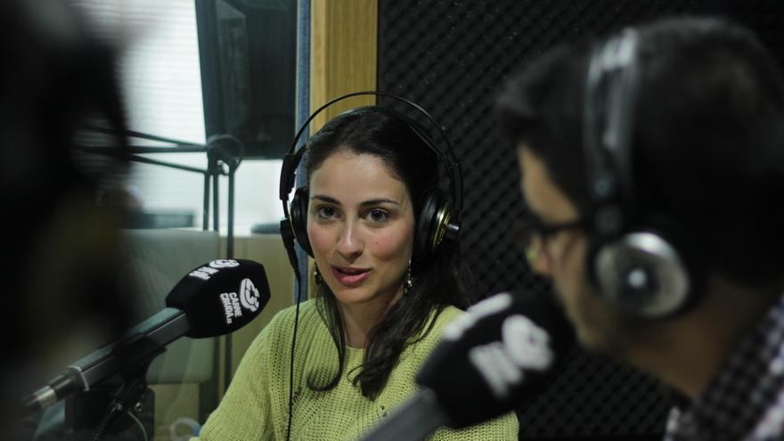 Laura Olías y Raúl Sánchez de eldiario.es en Carne Cruda