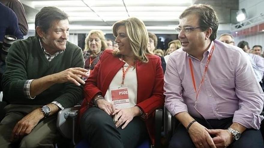 Javier Fernández, Susana Díaz y Guillermo Fernández Vara.