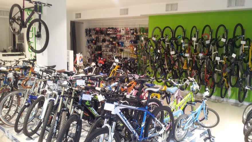 65a3c11641 Imagen de la tienda en Madrid. / Somos Recycling