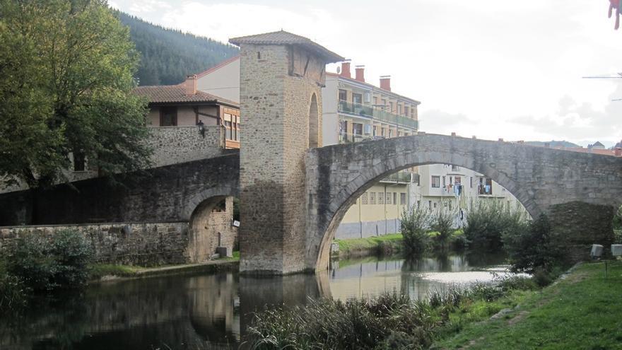 El I Encuentro de empresarios y agentes turísticos de la costa vasca reúne en Bilbao a cerca de 200 empresas de turismo