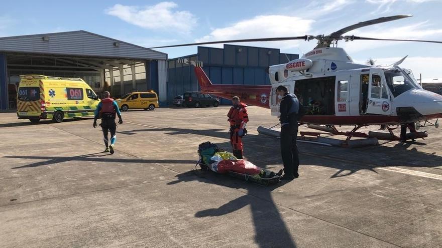 Rescatado un santoñés preahogado cuando hacía pesca submarina en Noja y evacuado en helicóptero a Valdecilla